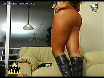 big booty model with leather boots